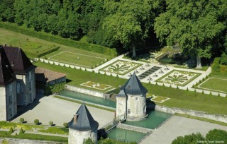 sitrastr129255_441812_jardins_du_chateau_du_touvet_2.jpg
