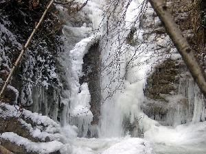 gresivauda-cascade-craponoz-0002-1709
